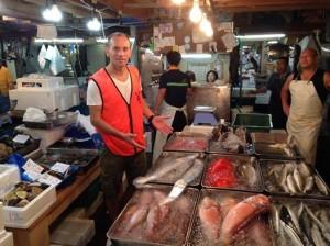 Davy Tissot au Marché aux poissons de Tokyo
