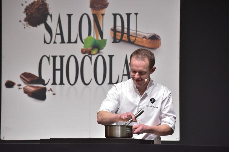 Joannic Taton sur la scène du Salon du Chocolat